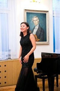 Yiayi Li during the closing concert . Photo by Andrzej Solnica.